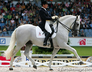 Rafael Soto with Invasor (Silver medal in team dressage Athens 2004)
